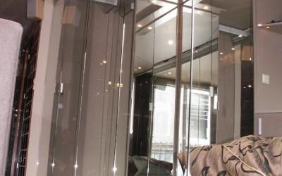 Zabudowy szklane – bezpieczeństwo czy zagrożenie